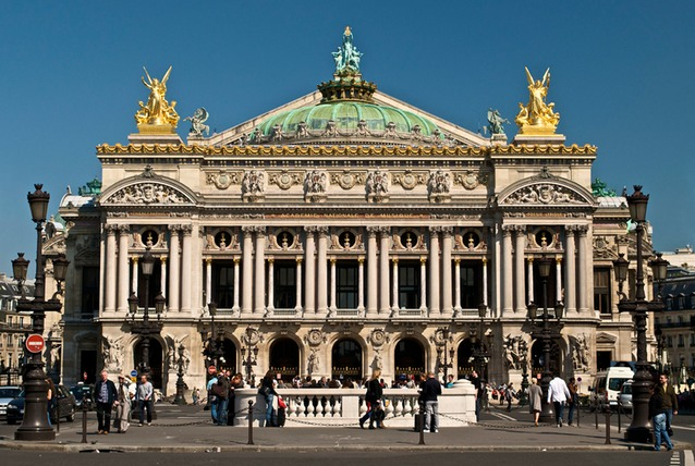 1600px-Paris_Opera_full_frontal_architecture,_May_2009