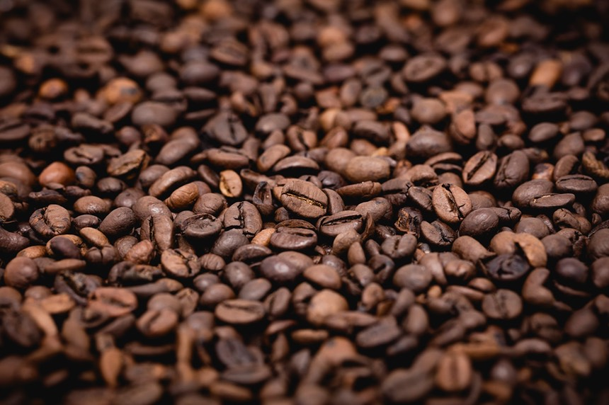 1920px-Coffee_beans2