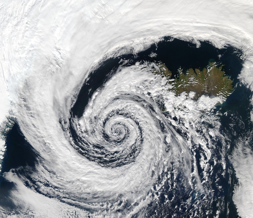Low_pressure_system_over_Iceland